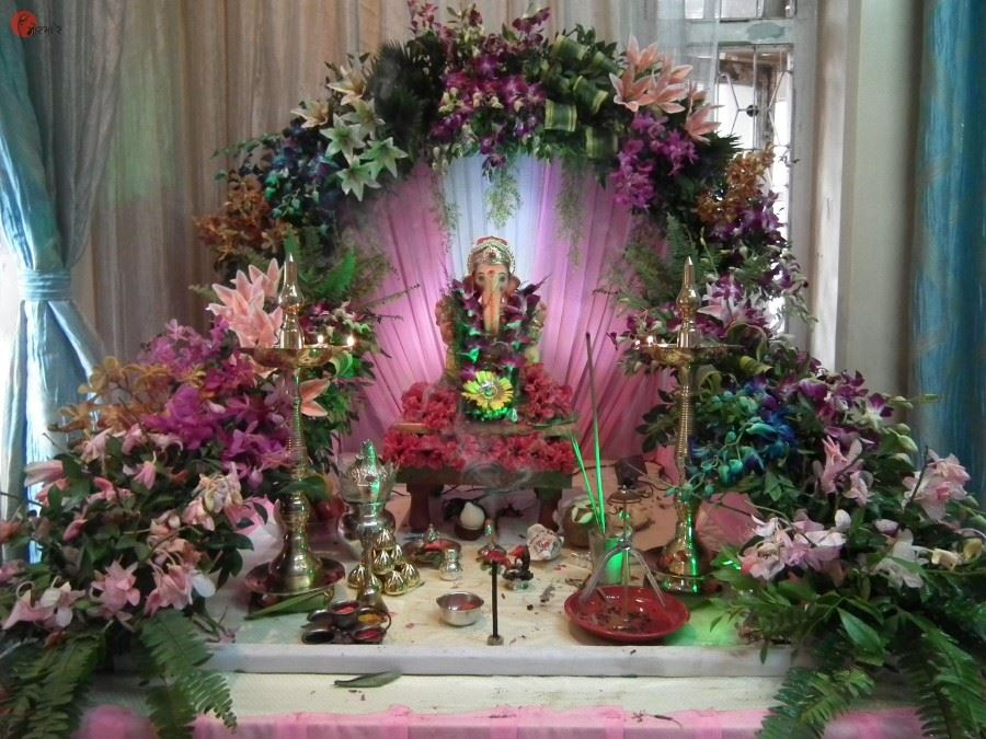 Pooja decoration with fresh flower ganpati pooja durga for Artificial flower decoration for ganpati