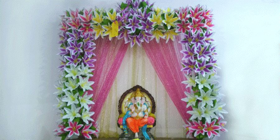 Ganpati decoration with fresh flower ganesh chaturthi for Artificial flower decoration for ganpati